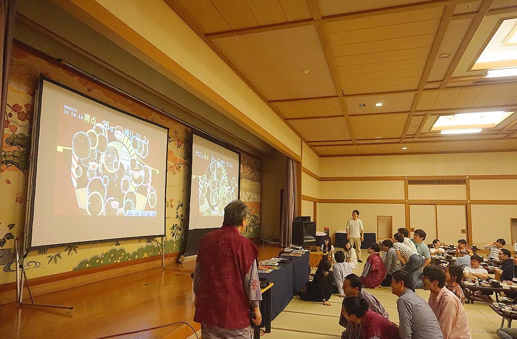30周年記念旅行 宴会・レクリエーションシステムTANO 笑顔チェッカー ゲーム風景1